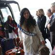 Divanna Pljevalcic, Miss Lorraine, arrive à l'aéroport Charles de Gaulle avant de s'envoler pour l'Île Maurice, à Paris le 14 novembre 2012