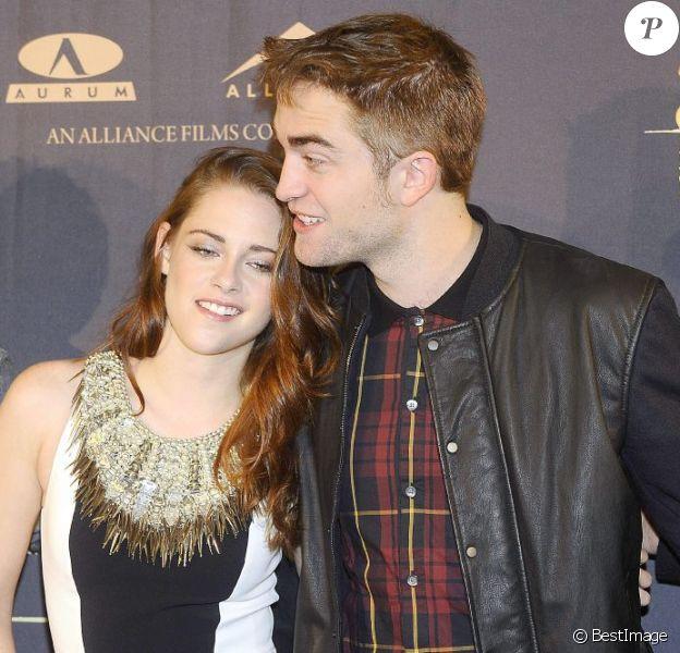 Kristen Stewart et Robert Pattinson lors du photocall du film Twilight - chapitre 5 : Révélation (2e partie) à Madrid le 15 novembre 2012