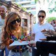 Lady Gaga signe des autographes à Buenos Aires le 14 novembre 2012.