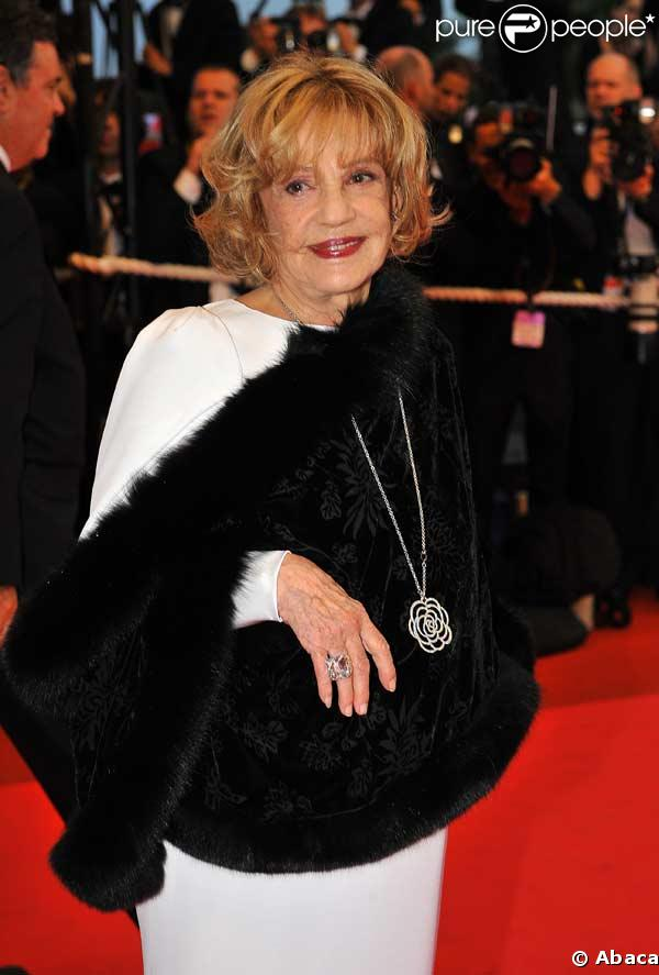 http://static1.purepeople.com/articles/6/11/06/6/@/50290-jeanne-moreau-637x0-1.jpg