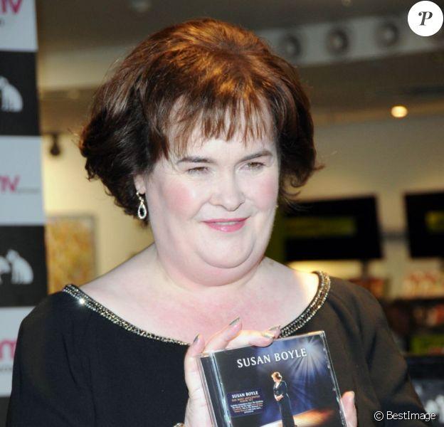 Susan Boyle présente son dernier album Standing Ovation à Glasgow le 20 novembre 2012.