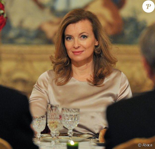 Valérie Trierweiler, compagne de François Hollande, très en beauté lors du dîner organisé en l'honneur du président italien Giorgio Napolitano. A l'Élysée, le 21 novembre 2012.