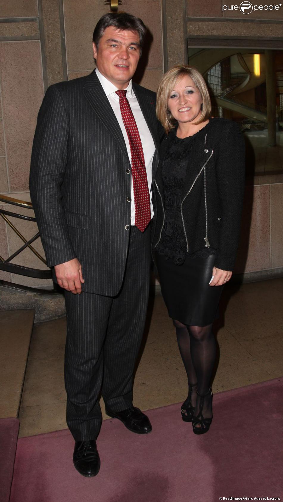 David Douillet et sa femme Valerie lors du dîner de Gala de la French American Foundation au Palais d'Iéna à Paris le 27 Novembre 2012
