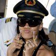 Rihanna embarque à bord de son Boeing 777 et lance sa 777 Tour. Los Angeles, le 14 novembre 2012.