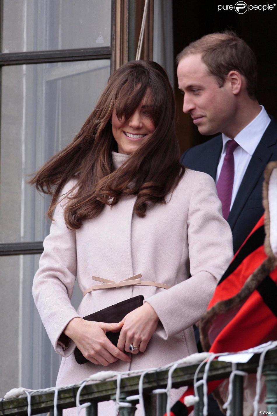Le prince William et son épouse Kate Middleton, duc et duchesse de Cambridge, étaient en visite à Cambridge le 28 novembre 2012, pour la première fois depuis que le duché leur a été octroyé par la reine Elizabeth II à l'occasion de leur mariage le 29 avril 2011.