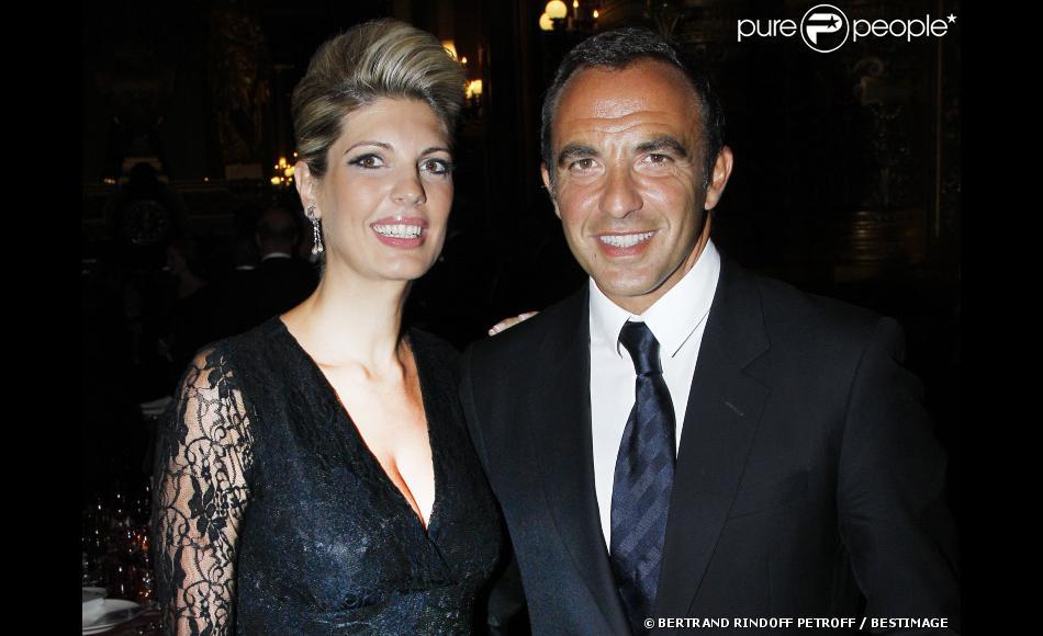Nikos Aliagas et sa compagne Tina au dîner offert par Cartier dans le foyer du Palais Garnier après le concert de George Michael en faveur de Sidaction, à Paris, le 9 septembre 2012.