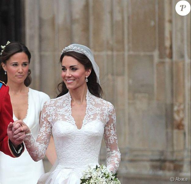 Kate Middleton, radieuse dans sa robe Sarah Burton pour Alexander McQueen lors de son mariage avec le prince William. Londres, le 29 avril 2012.