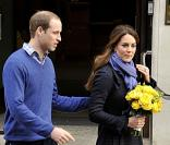 Le prince William et kate Middleton quittant le King Edward Vll Hospital à Londres le 6 décembre 2012