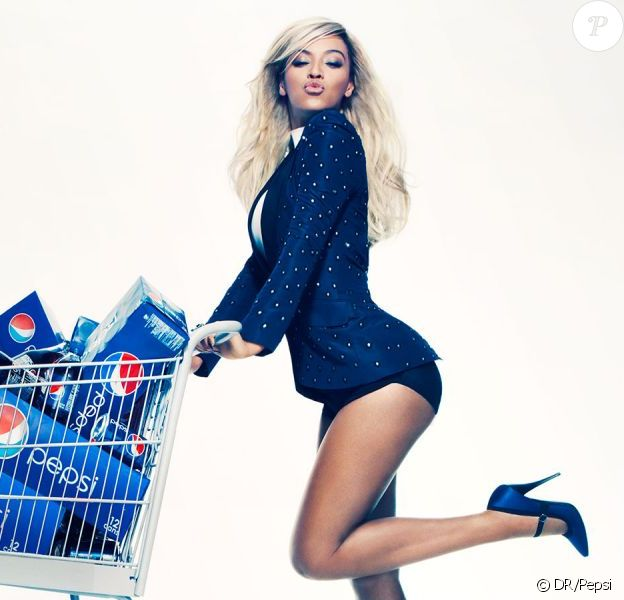 Beyoncé prête son image à Pepsi pour une campagne de communication de 50 millions de dollars - décembre 2012.