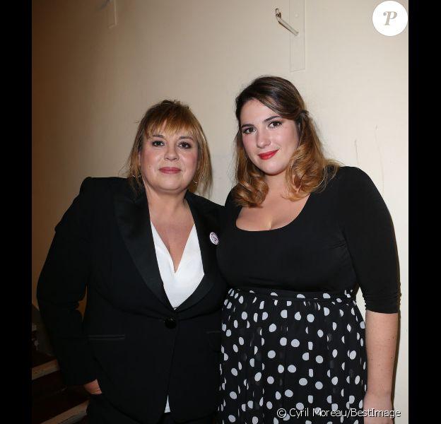 Michèle Bernier et Charlotte Gaccio lors d'un spectacle avec Michèle Bernier au profit de l'association Meghanora au théâtre la Nouvelle Eve à Paris le 10 Decembre 2012.