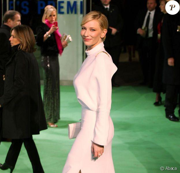 Cate Blanchett sur la red carpet de l'avant-première royale du Hobbit : Un voyage inattendu au Odeon Leicester Square, le 12 décembre 2012.