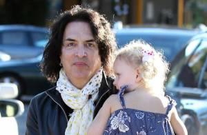 Paul Stanley : Le rockeur de Kiss transformé... en papa gâteaux !