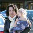 Paul Stanley du groupe Kiss se promène avec ses enfants Sarah et Colin à Beverly Hills, le 13 Decembre 2012.
