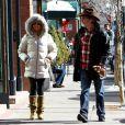 Le couple Goldie Hawn et Kurt Russell se promenant dans les rues d'Aspen, le vendredi 21 décembre 2012.