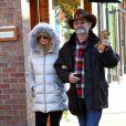 Goldie Hawn et Kurt Russell se promenant dans les rues d'Aspen, le vendredi 21 décembre 2012.