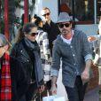 Robert Downey Jr. et sa femme Susan Levin font du shopping à Santa Monica le 16 décembre 2012. Le couple nage en plein bonheur.
