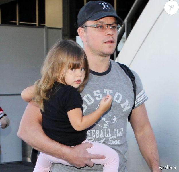 Matt Damon et sa fille Gia arrivent au LAX en provenance de Miami, le 3 janvier 2013.
