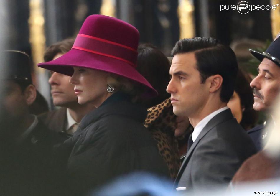 Nicole Kidman et Milo Ventimiglia (l'attaché de presse Rupert Allen) sur le tournage du biopic Grace of Monaco d'Olivier Dahan, à Paris, le 6 janvier 2013.