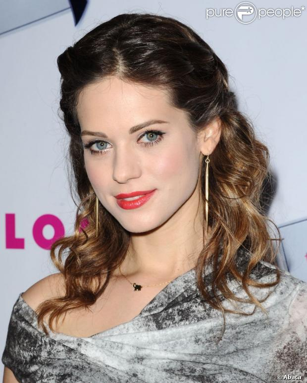 lyndsy fonseca la bombe de kick ass et desperate housewives divorce. Black Bedroom Furniture Sets. Home Design Ideas