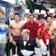 La princesse Stéphanie de Monaco posait entourée d'artistes pour annoncer le 15 janvier 2012 la 37e édition du Festival international du cirque de Monte-Carlo, à Monaco.