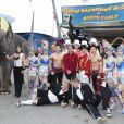 Stéphanie de Monaco posait entourée d'artistes pour annoncer le 15 janvier 2012 la 37e édition du Festival international du cirque de Monte-Carlo, à Monaco.