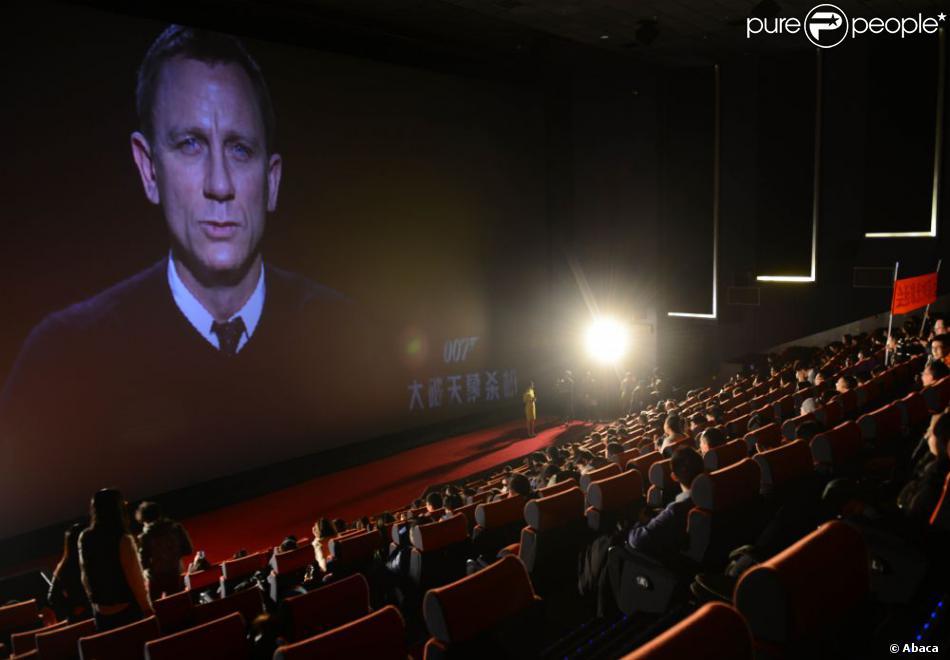 Daniel Craig, l'interprète de James Bond dans Skyfall, a vu son film censuré par le comité chinois, ici lors de la première du film à Pékin, le 16 janvier 2013.