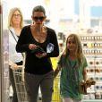 Courteney Cox et sa fille Coco Arquette sortent d'une pharamacie, à Malibu, le 18 janvier 2013.