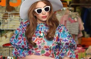 Lady Gaga se la joue ''Petite maison dans la prairie'' avec ses parents