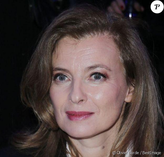 La première dame Valérie Trierweiler assiste au 11e Dîner de la Mode contre le Sida au Pavillon d'Armenonville. Paris, le 24 janvier 2013.