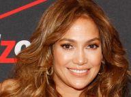 Jennifer Lopez : Sexy en combinaison rouge, elle prend la pose avec ses fans