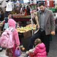 Ben Affleck et ses deux filles Violet et Seraphina au célèbre Farmers Market, à Brentwood, le 27 janvier 2013