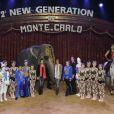 La princesse Stéphanie de Monaco et sa fille Pauline (présidente du jury) réunies autour des artistes de la 2e édition du New Generation, un festival de cirque consacré aux jeunes talents, à Monaco, le 31 janvier 2013.