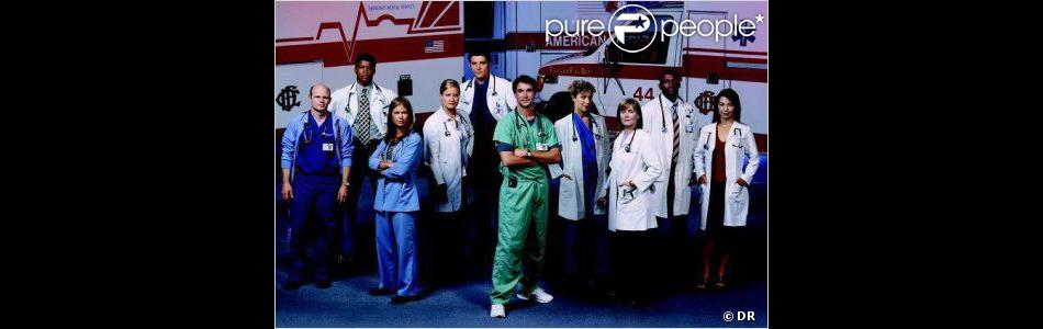 Photo promo avec une grande parti du casting de la série Urgences. Diffusée de 1994 à 2009.
