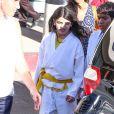 Blanket Jackson, fils de Michael Jackson, arbore fièrement sa ceinture jaune, le mardi 16 octobre à Los Angeles.