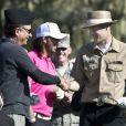 Andy Garcia change de chapeau au Monterey Peninsula Country Club lors du AT&T National Pro Am de Pebble Beach le 7 février 2013