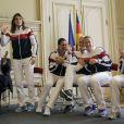 Amélie Mauresmo et les joueuses de l'équipe de France de Fed Cup Pauline Parmentier, Virginie Razzano, Kristina Mladenovic et Alizé Cornet à la mairie de Limoges le 8 février 2013