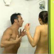 Splash : Laury Thilleman entièrement nue sous la douche avec Gérard Vivès
