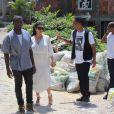 Kim Kardashian enceinte et Kanye West visitent Rio De Janeiro en compagnie de Will Smith, le 10 février 2013. Ils ont visité Vidigal une favela de la ville.