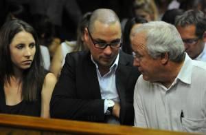 Oscar Pistorius accablé et en pleurs, mais une accusation ridiculisée