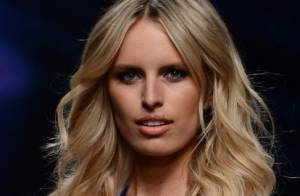 Karolina Kurkova : Top model ultrasexy pour inaugurer la Fashion Week de Milan