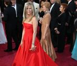 Jennifer Aniston contre Anne Hathaway, les Oscars de la mode