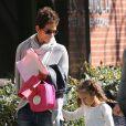 Halle Berry va chercher sa fille Nahla à l'école à Los Angeles, le 25 février 2013. L'actrice semble enchantée de retrouver sa fille.