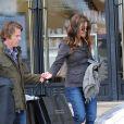 Julia Roberts et son mari Danny Moder quittant le magasin Barney's à Los Angeles le 7 mars 2013