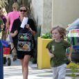 Julia Roberts avec son fils Henry le 21 septmebre 2012 à Los Angeles