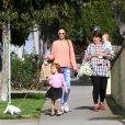 Alessandra Ambrosio et ses enfants Anja et Noah dans les rues de Los Angeles, le 4 mars 2013.