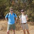 Le prince héritier Frederik de Danemark et son épouse Mary de Danemark lors d'un trek près de Santiago au Chili, dans le parc de Quebrada de Macul le 10 mars 2013