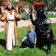 Tori Spelling a organisé une fête costumée dans le thème Star Wars pour les six ans de son fils Liam (au centre), à Los Angeles, le 16 mars 2013.
