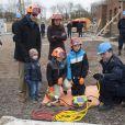 Parés pour la démonstration ! La princesse Marie de Danemark, le prince Joachim et leurs garçons Nikolai, Felix et Henrik lors d'un exercice avec l'agence danoise de gestion des urgences (Beredskabsstyrelsen ou DEMA, Danish Emergency Management Agency), à Haversted le 9 mars 2013
