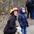 La princesse Marie de Danemark, le prince Joachim et leurs garçons Nikolai, Felix et Henrik lors d'un exercice avec l'agence danoise de gestion des urgences (Beredskabsstyrelsen ou DEMA, Danish Emergency Management Agency), à Haversted le 9 mars 2013