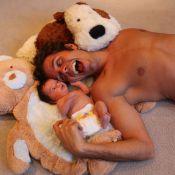Perez Hilton papa : Le redouté blogueur présente son adorable garçon !
